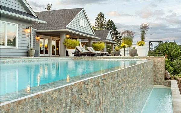 Lake Oswego Outdoor Infinity Pool